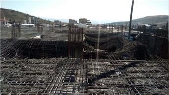 Elazığ'da AVM inşaatında çökme meydana geldi