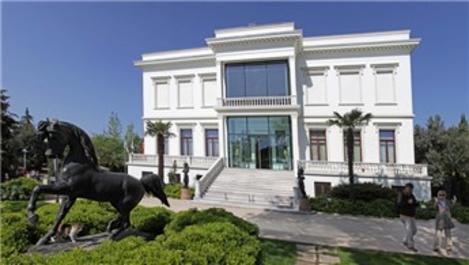 Atlı Köşk'ten Sevilay Sabancı'ya 11 milyon lira!