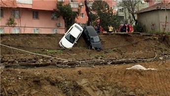 Kadıköy'de otoparkta toprak kayması meydana geldi!