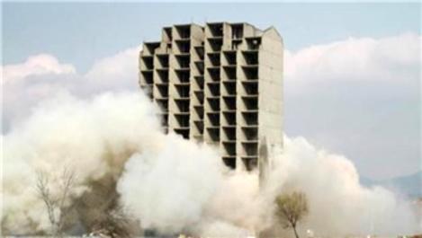 Bursa'da dinamitle yıkım sırasında aksaklık yaşandı