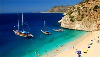Türkiye'ye gelmeyen yabancı turisti İspanya kaptı