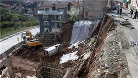 Kocaeli'de bir inşaatın istinat duvarı çöktü
