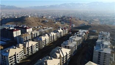 TOKİ Yüksekova konutlarının inşaatı sürüyor