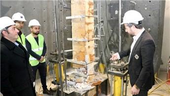 Betonu 50 yıl yaşlandırıp deprem araştırmalarına katkı sunuyorlar