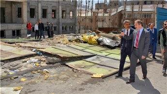 Hakkari'de kaçak yapılar yıkılacak