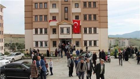 TOKİ, Manisa Demirci'de 255 konutu teslim etti