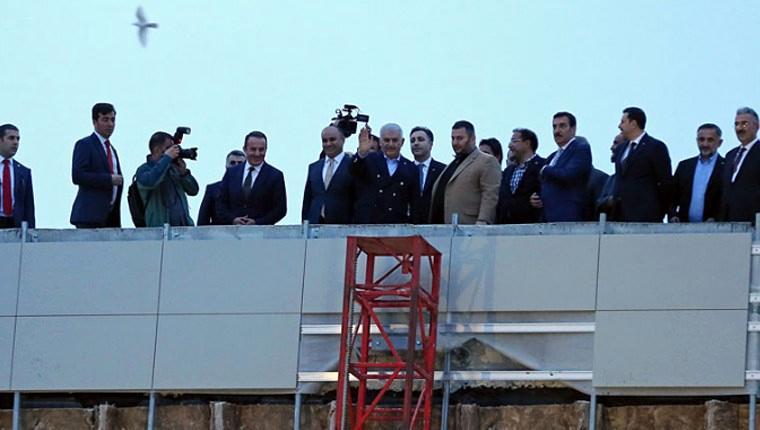Başbakan Yıldırım'dan ev ve okul inşaatı ziyareti!