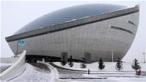 Astana'daki Birinci Cumhurbaşkanı Kütüphanesi dikkat çekiyor