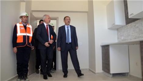Bakan Özhaseki Kütahya'da bin 453 konutun şantiyesini gezdi