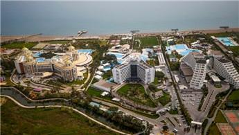 Antalya binlerce tesisle konuklarını bekliyor