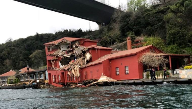 Boğaz'da gemi Hekimbaşı Salih Efendi Yalısı'na çarptı