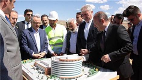 Bakan Ağbal, Bayburt Devlet Hastanesi'nin inşaatını inceledi