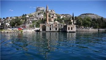 Sakin şehir Halfeti'de turizm hareketliliği yaşanıyor