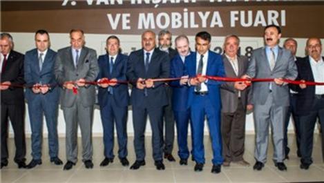'9. Van İnşaat Yapı Makine ve Mobilya Fuarı' açıldı