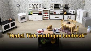 Mini Türk Mutfağı'nda minyatür yemekler hazırlıyorlar