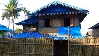 Türkiye, Arakanlı Müslümanlar için bambu evler yapıyor