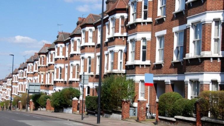 İngiltere'de inşaat sektörü yüzde 52,5 seviyesine yükseldi