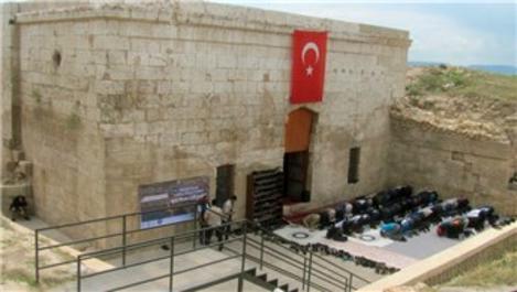 Tarihi İç Kale Camisi 60 yıl sonra ibadete açıldı