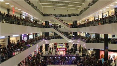 AVM'leri 2.2 milyar kişi ziyaret etti