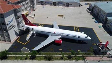 Eski uçak artık müze ve sinema salonu olarak hizmet verecek
