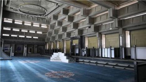 TBMM Camisi yeniden ibadete açıldı