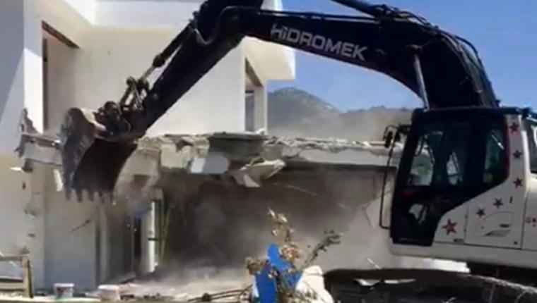 Muğla'da sit alanındaki otel inşaatı yıkıldı