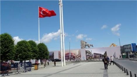Taksim AKM'de o duvar yıkıldı!