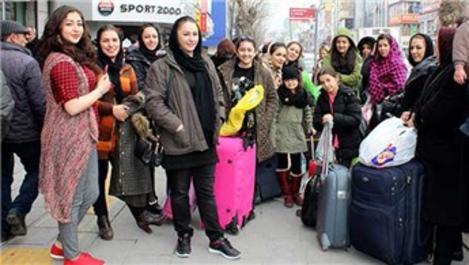 İranlı turistler bayramda Van'ı tercih etti