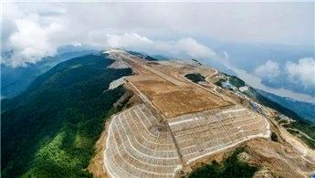Çinliler bunu da yaptı! 1.8 kilometre tepede havalimanı!