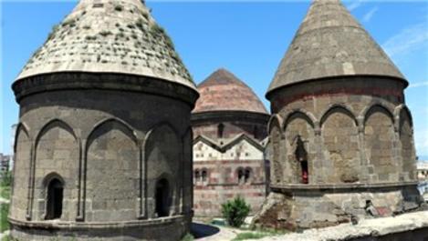 Üç Kümbetler restore edilerek turizme hazırlanıyor