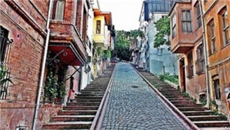 Megakent İstanbul'un yokuşlarına yürüyen merdiven geliyor