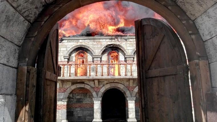 Beykoz'daki tarihi kundura fabrikasında yangın!