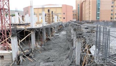 Erzincan'da hastane inşaatında çökme: 8 yaralı