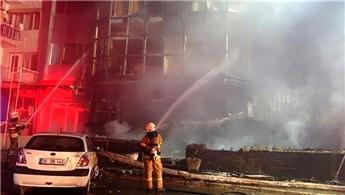İzmir'de kız öğrenci yurdunda yangın