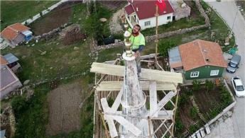 Minare ustaları, yüksekliğe meydan okuyor!