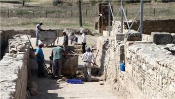 2 bin yıllık mozaikli villa bulundu