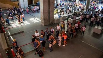 Antalya'ya havayoluyla gelen yabancı turist yüzde 32 arttı