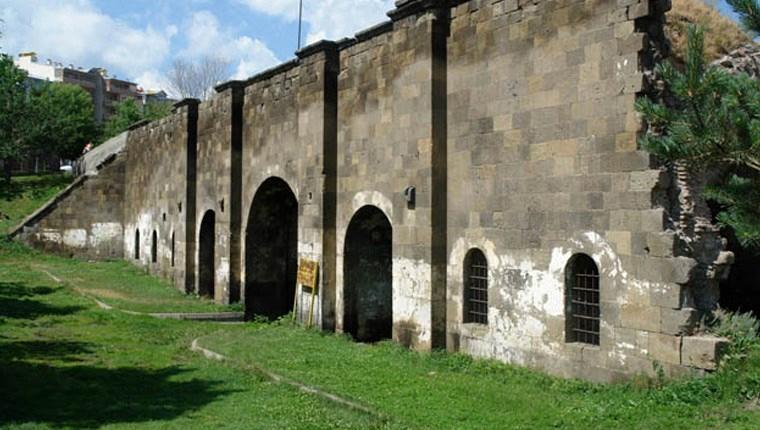 Erzurum'un tarihi İstanbul Kapısı'nın restorasyonu tamamlandı