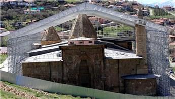 Divriği Ulu Cami ve Darüşşifası özel çatıyla korunuyor