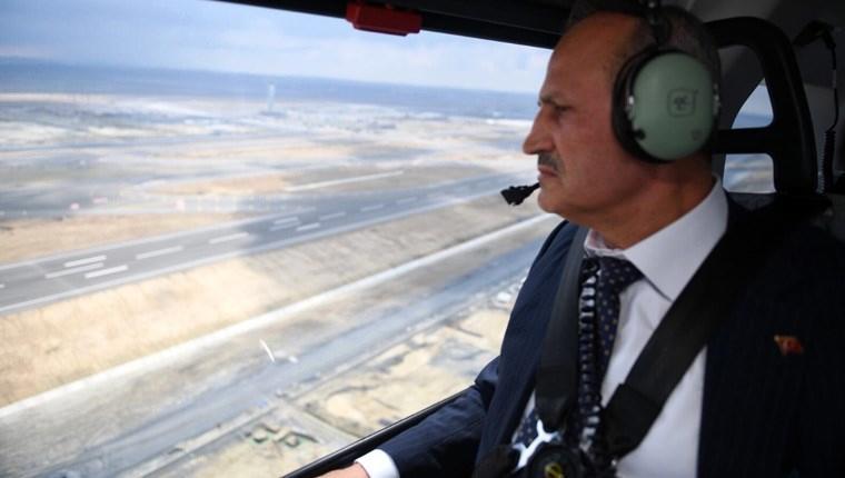 Bakan Turhan, 3. Havalimanı'nı havadan inceledi
