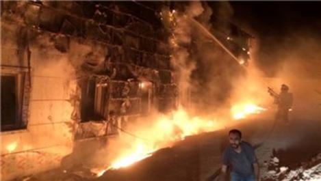 Balıkesir'de hastane inşaatında yangın çıktı