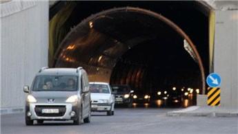 Sivas'ın ilk tünelinde bayram yoğunluğu!