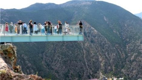 Gümüşhane'nin turizm destinasyonları doldu taştı