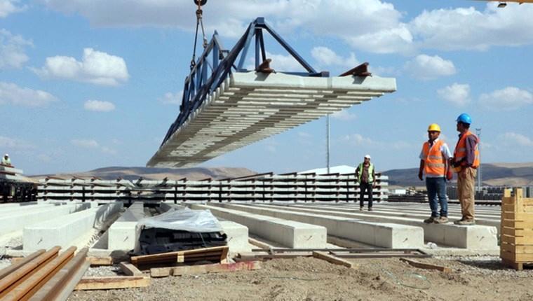 Ankara-Sivas YHT hattında ray serimi devam ediyor
