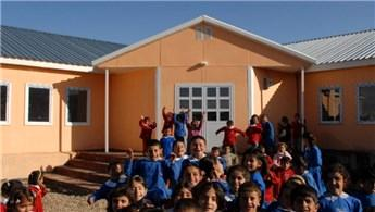 Hakkari'de yıkılan okulların yerine yenileri yapılıyor