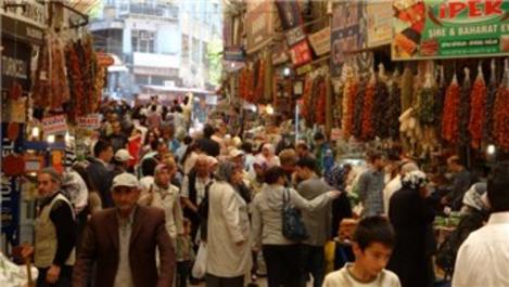 Kahramanmara��'taki Kapalı Çarşı, 500 yıldır canlığını koruyor