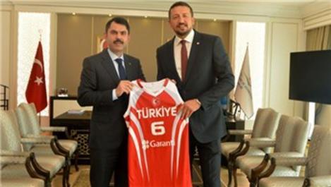 Hidayet Türkoğlu'ndan Murat Kurum'a ziyaret