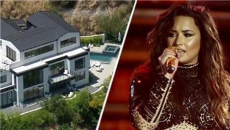 ABD'li şarkıcı Demi Lovato malikanesini satıyor