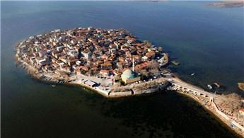 Gölyazı'da turizm kalkınması için protokol ve iş adamları buluştu