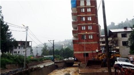 Rize'de dere yatağına inşa edilen ev için yıkım kararı!